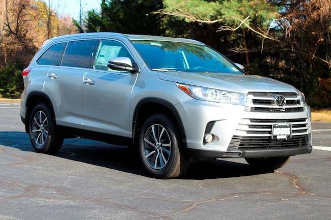 New 2019 Toyota Highlander XLE V6 SUV in Vienna, VA