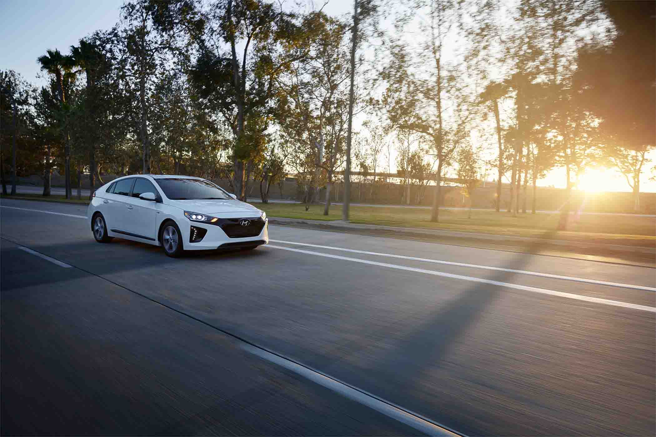 2017 New Hyundai Ioniq Driving in Puyallup, WA