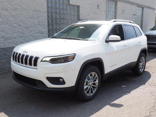 New 2019 Jeep Cherokee LATITUDE PLUS 4X4 Sport Utility in Gibsonia near Pittsburgh