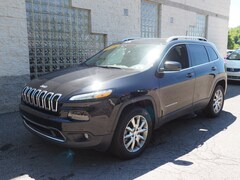 Certified Pre-Owned 2018 Jeep Cherokee Limited 4x4 SUV in Gibsonia