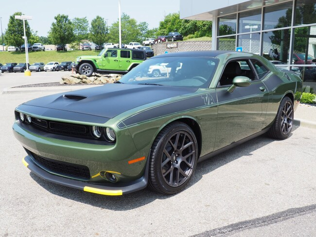 New 2019 Dodge Challenger R/T Coupe in Gibsonia near Pittsburgh