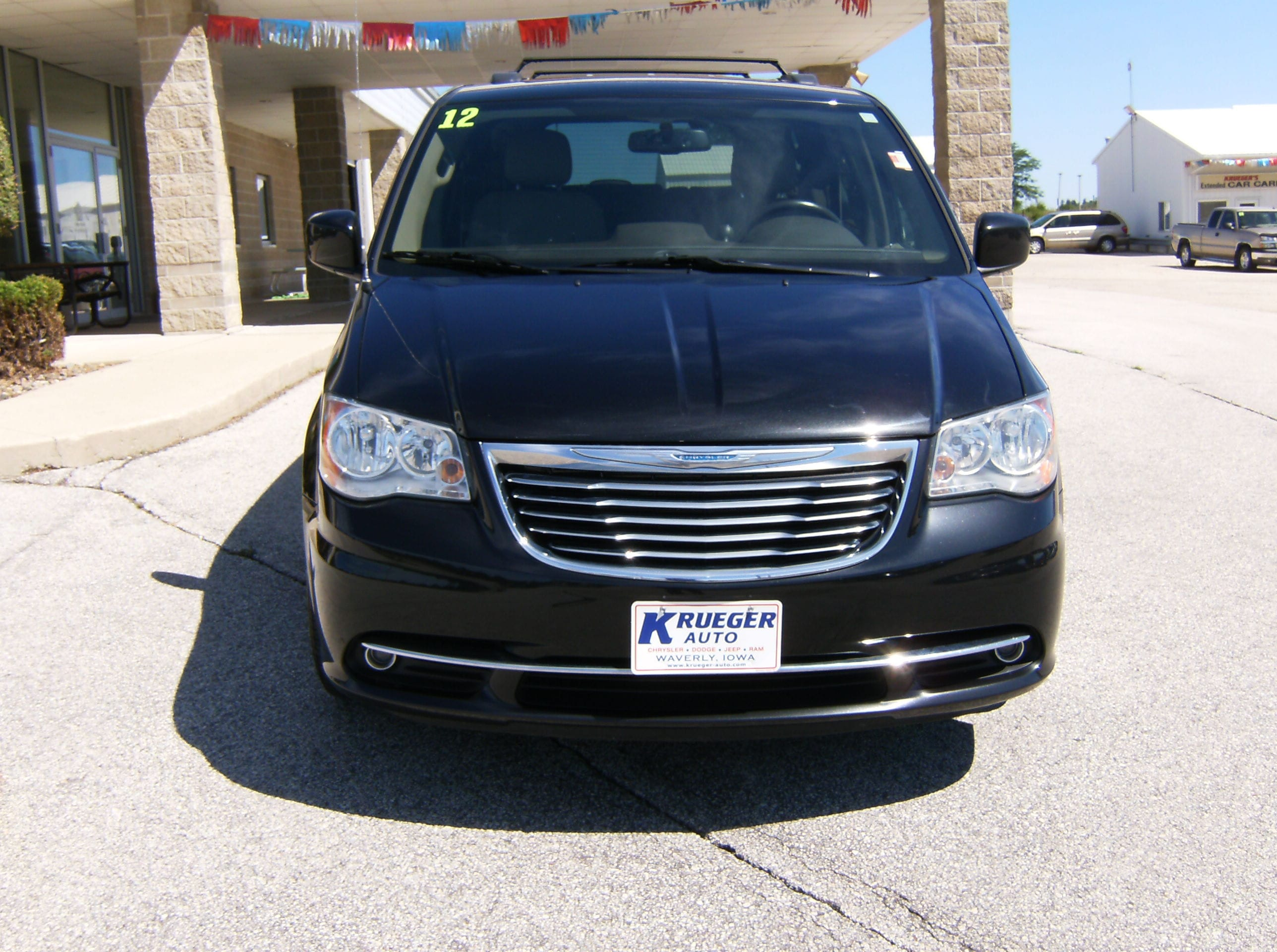 used 2012 chrysler town country for sale waverly ia. Black Bedroom Furniture Sets. Home Design Ideas