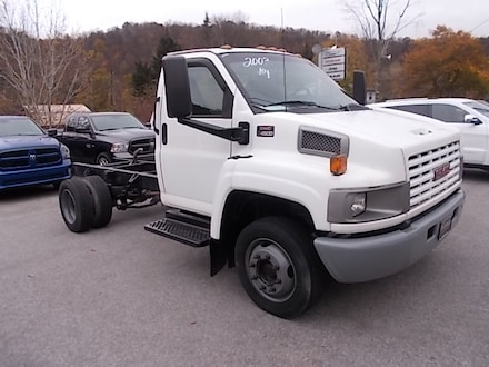 Featured Used 2003 GMC TC4500 4X2 Truck Chassis 1GDC4E1E43F510244 for Sale in Mahaffey, PA