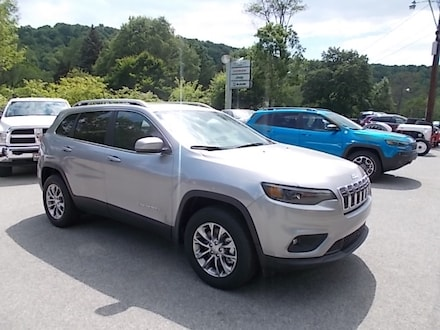 Featured New 2021 Jeep Cherokee Latitude Lux 4x4 SUV for Sale in Mahaffey, PA