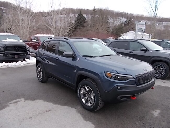 New 2019 Jeep Cherokee Trailhawk 4x4 SUV for sale in Mahaffey, PA