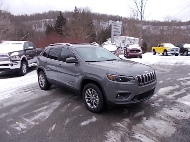 New 2019 Jeep Cherokee Latitude Plus 4x4 SUV for sale in Mahaffey, PA