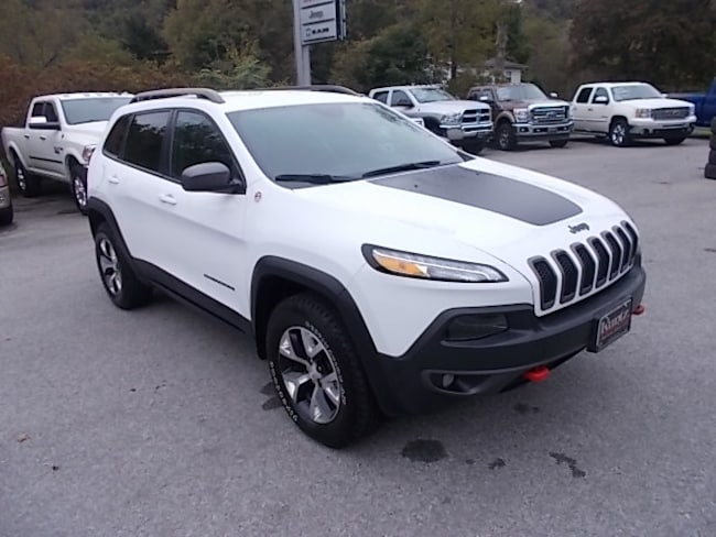 Used 2018 Jeep Cherokee Trailhawk 4x4 SUV 1C4PJMBX1JD619908 for sale in Mahaffey, PA