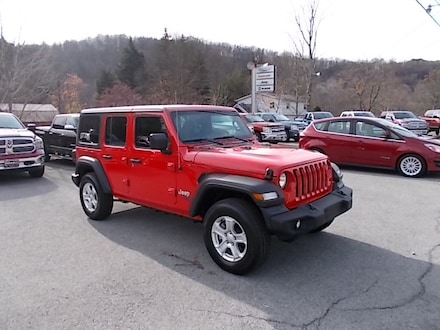 Featured Used 2019 Jeep Wrangler Unlimited Sport S 4x4 SUV 1C4HJXDG0KW649670 for Sale in Mahaffey, PA