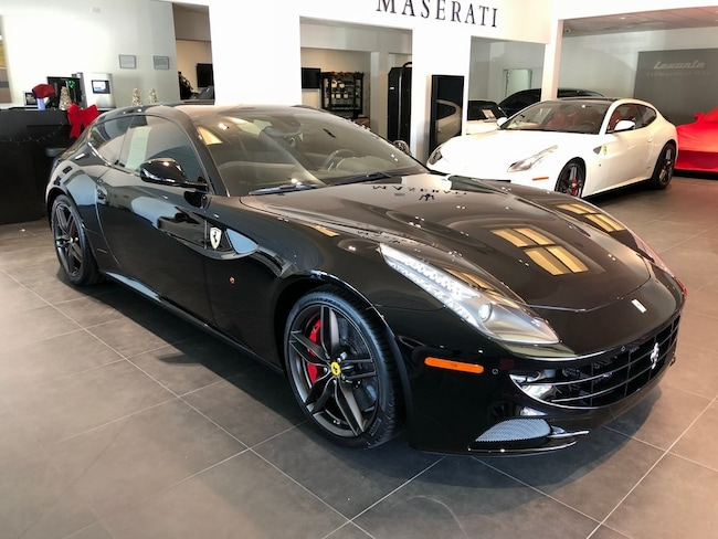 2016 Ferrari FF Base Coupe UMG214208