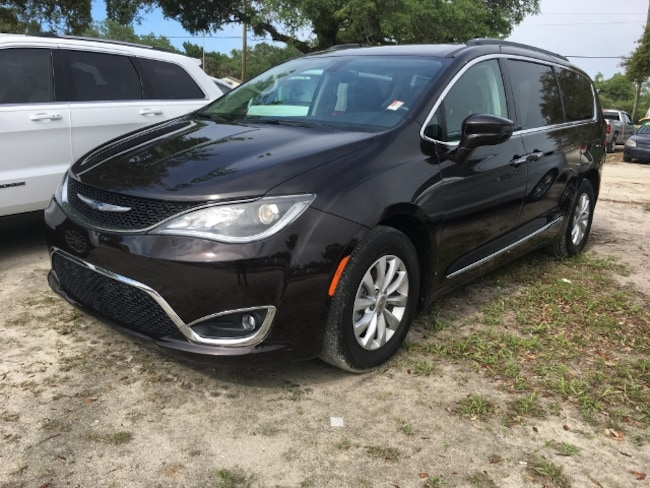 Used 2017 Chrysler Pacifica Touring-L Van for Sale in LaBelle, Florida