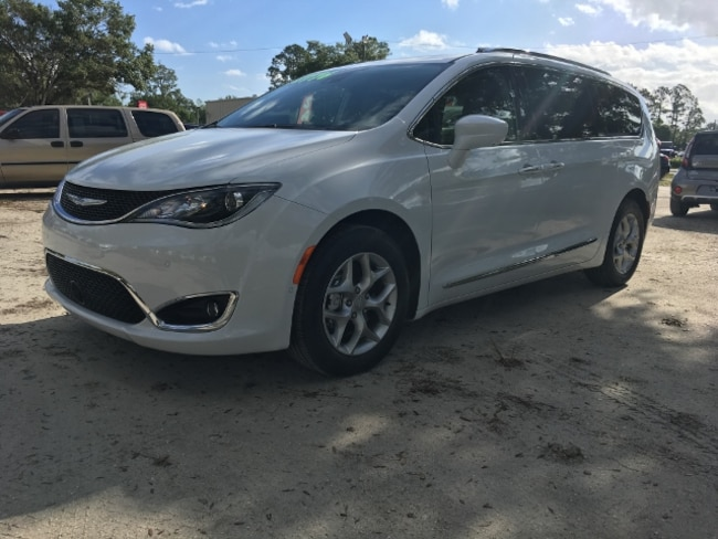 Used 2019 Chrysler Pacifica Touring L Plus Van Passenger Van for Sale in LaBelle, Florida