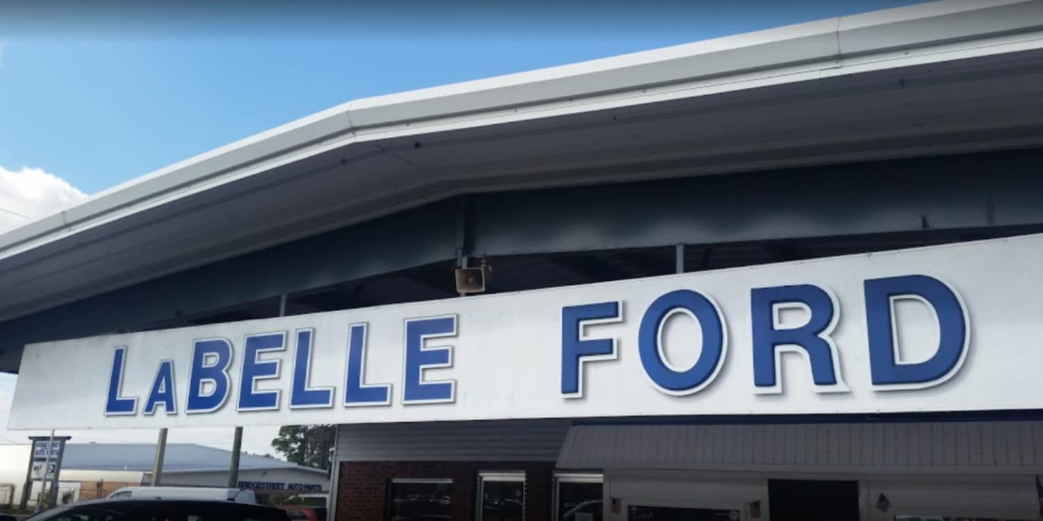 LaBelle Ford Dealership Sign