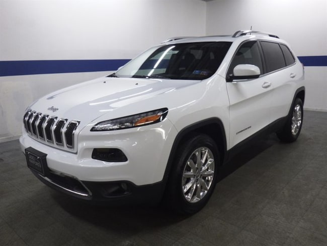 2016 Jeep Cherokee Limited 4x4 w/ Leather, Pano Roof, and NAV SUV