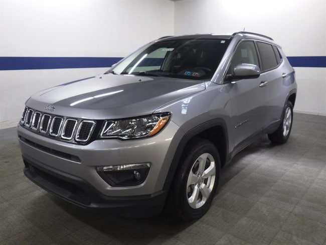 2018 Jeep Compass Latitude 4x4 w/ Back Up and Heated Seats SUV