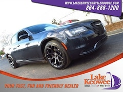 2019 Chrysler 300 TOURING Sedan 2C3CCAAG8KH555996