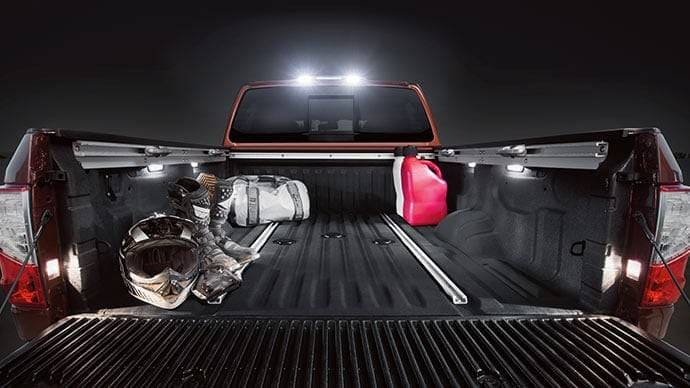 2017 Nissan Titan truck bed lighting