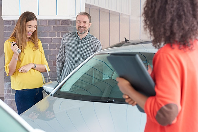 Father buying daughter car