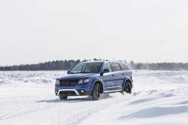 2018 Dodge Journey Crossroad Blue Snow Exterior