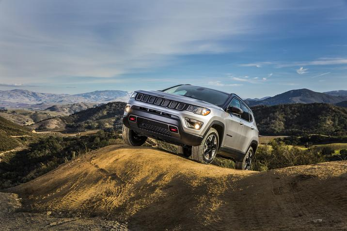 2017 Jeep Compass Gray Front Exterior