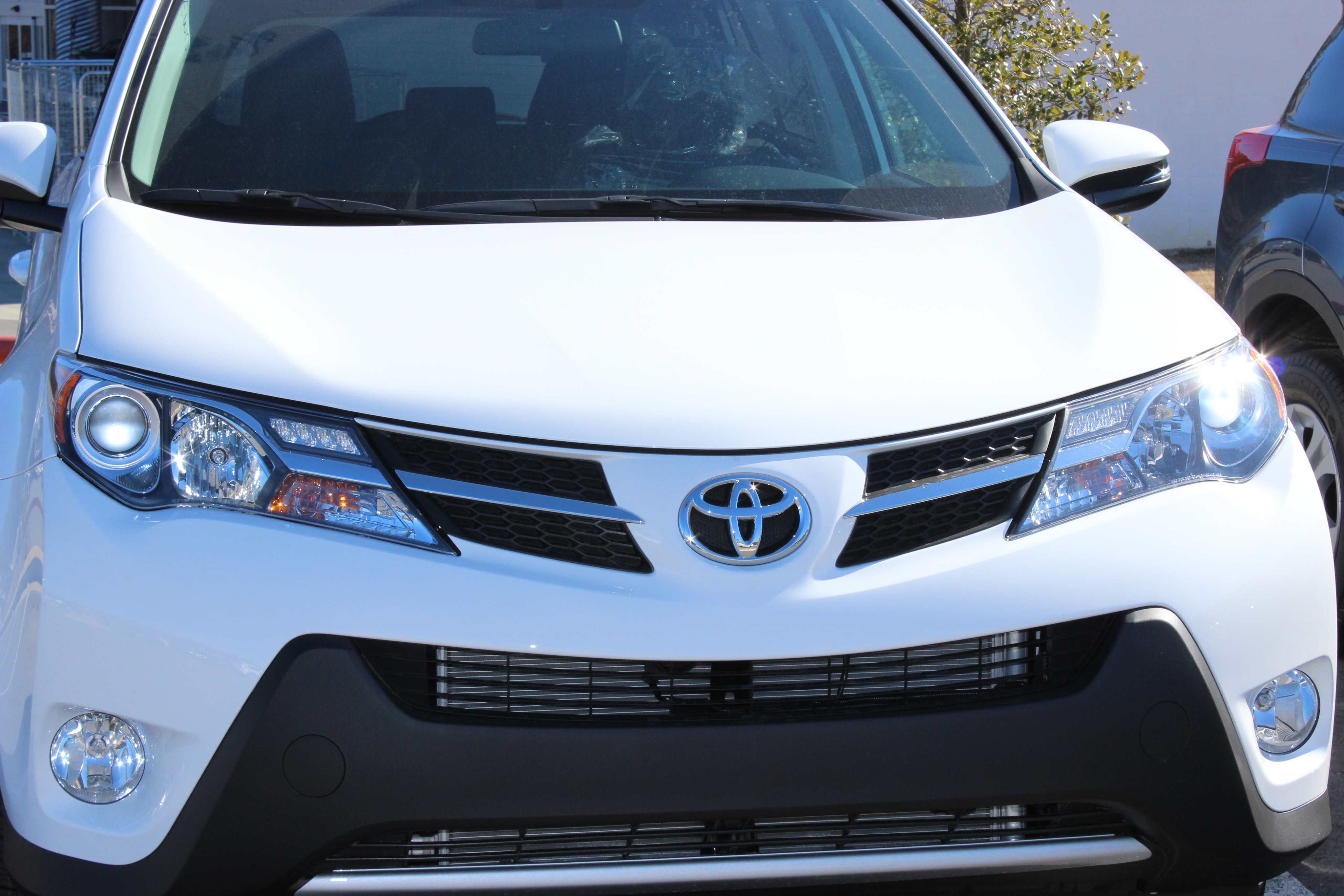 Toyota RAV4 Service Manual: Fog light assembly