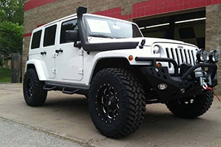 white jeep wrangler in missouri