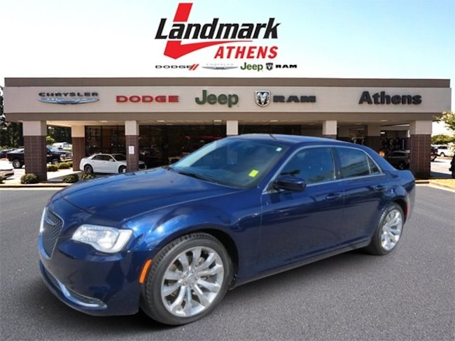 2017 Chrysler 300 Limited Limited RWD