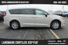 New 2019 Chrysler Pacifica LX Passenger Van for Sale in Springfield, IL