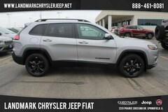 New 2019 Jeep Cherokee ALTITUDE FWD Sport Utility for Sale in Springfield IL