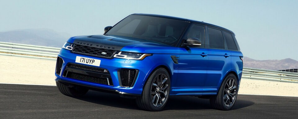 2018 Range Rover Sport SVR front 3/4 view