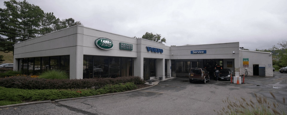 Exterior view of Land Rover Mt. Kisco