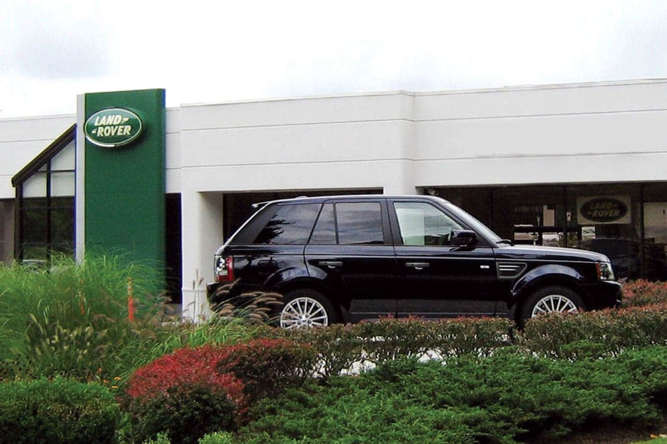 Land Rover Mt Kisco Dealership exterior shot during the day