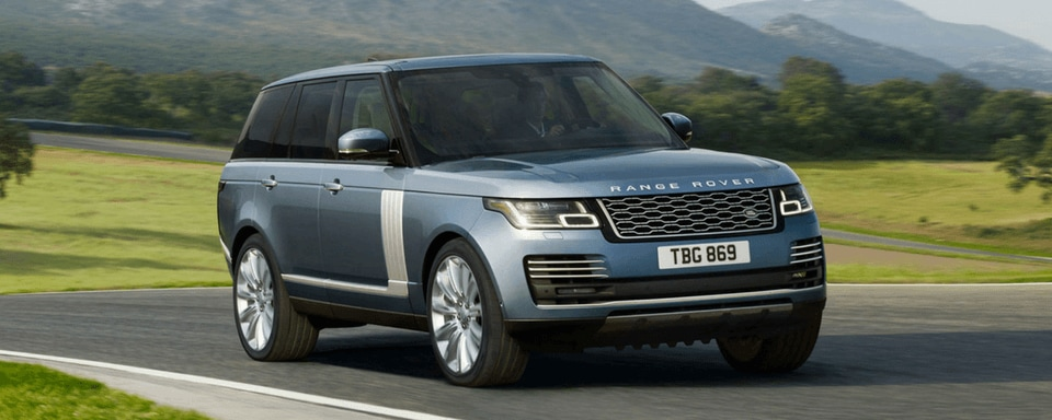 2018 Range Rover front 3/4 view