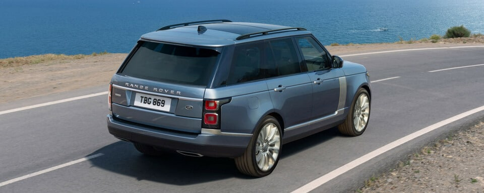 2018 Range Rover rear 3/4 view