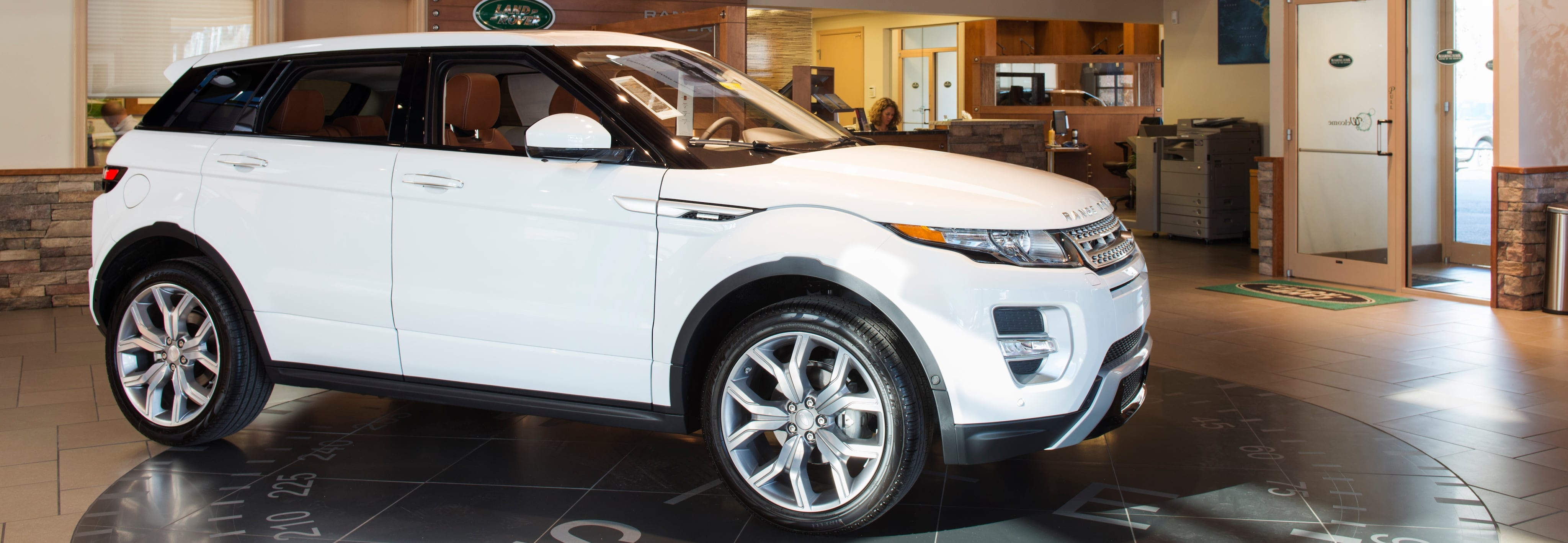 Why Buy at Land Rover Roaring Fork