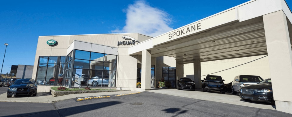 Exterior view of Land Rover Spokane during the day