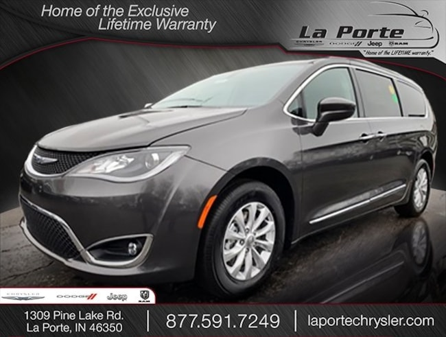 New 2019 Chrysler Pacifica TOURING L Passenger Van in La Porte, IN