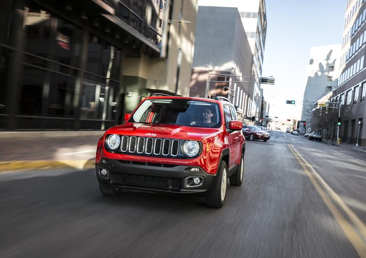 2018 Jeep Renegade Latitude Front Driving Red Exterior