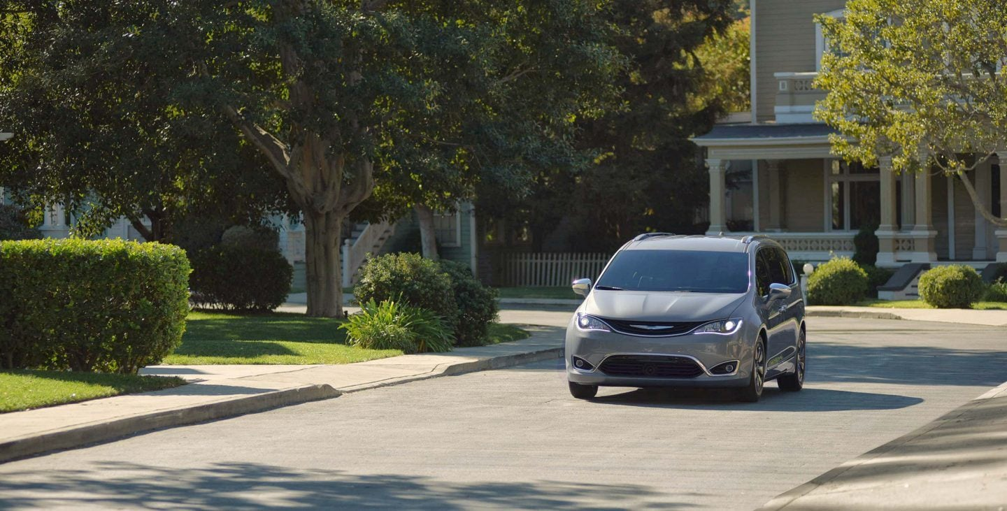 2018 Chrysler Pacifica Front Driving Exterior