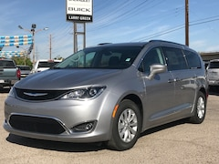 2018 Chrysler Pacifica TOURING L Passenger Van in Blythe, CA