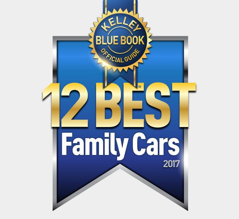 2017 Chrysler Pacifica named 12 Best Family Cars of 2017 by KBB.com