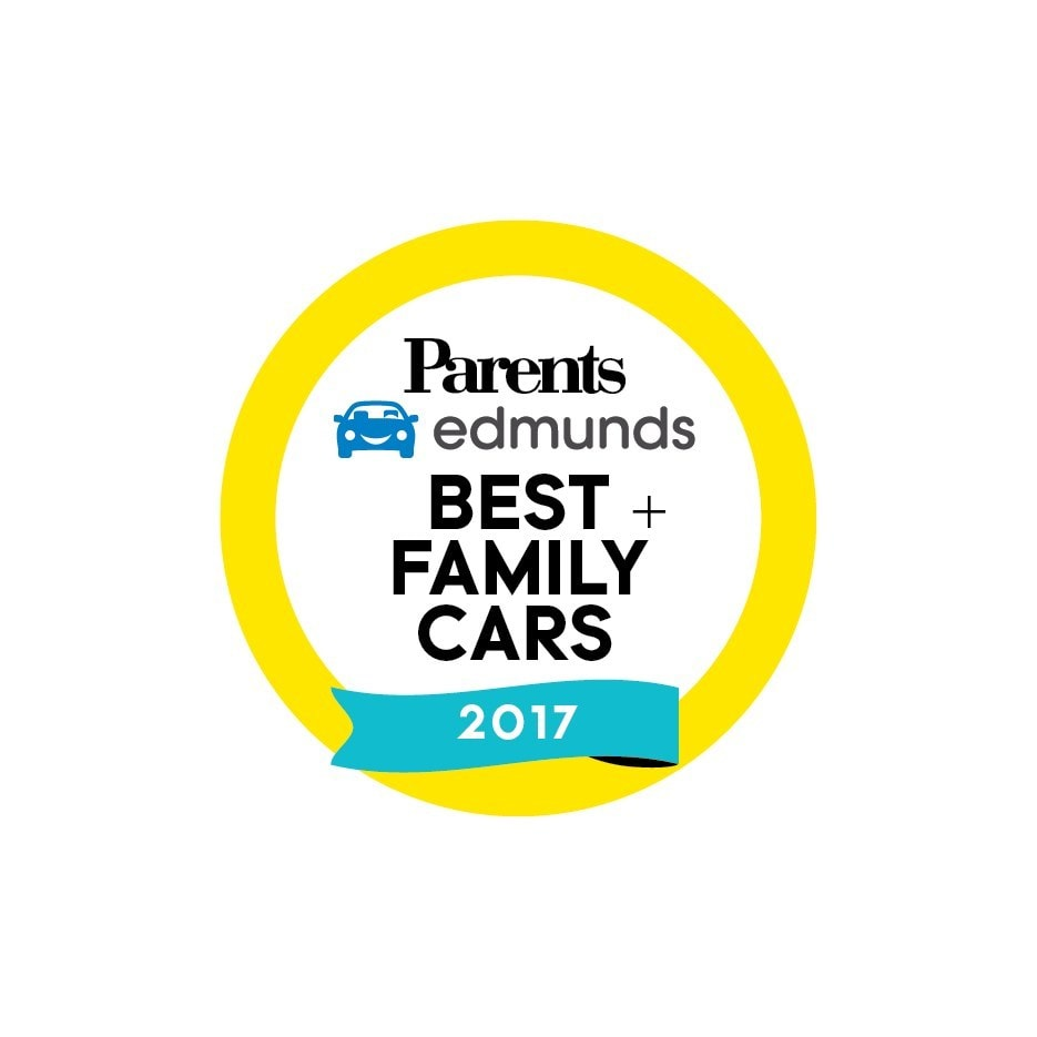 2017 Chrysler Pacifica named Best Family Minivan of 2017 by Parents and Edmunds