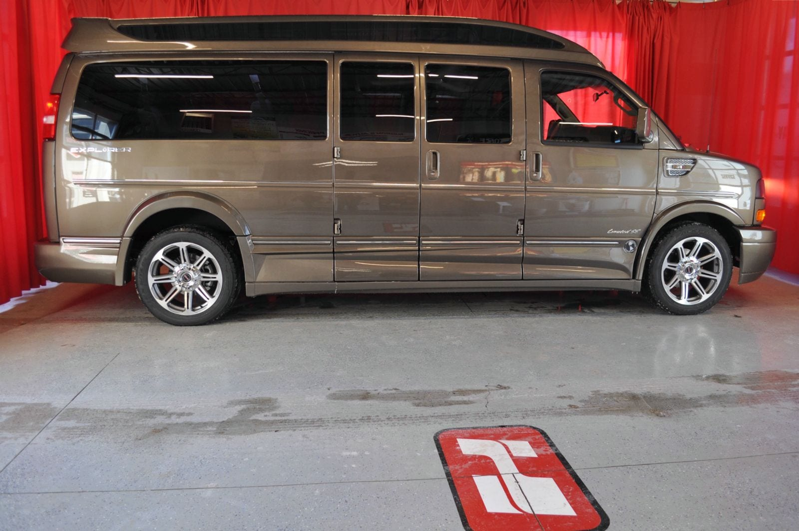 2016 Gmc Savana 2500 Explorer Conversion Van 1wt 9