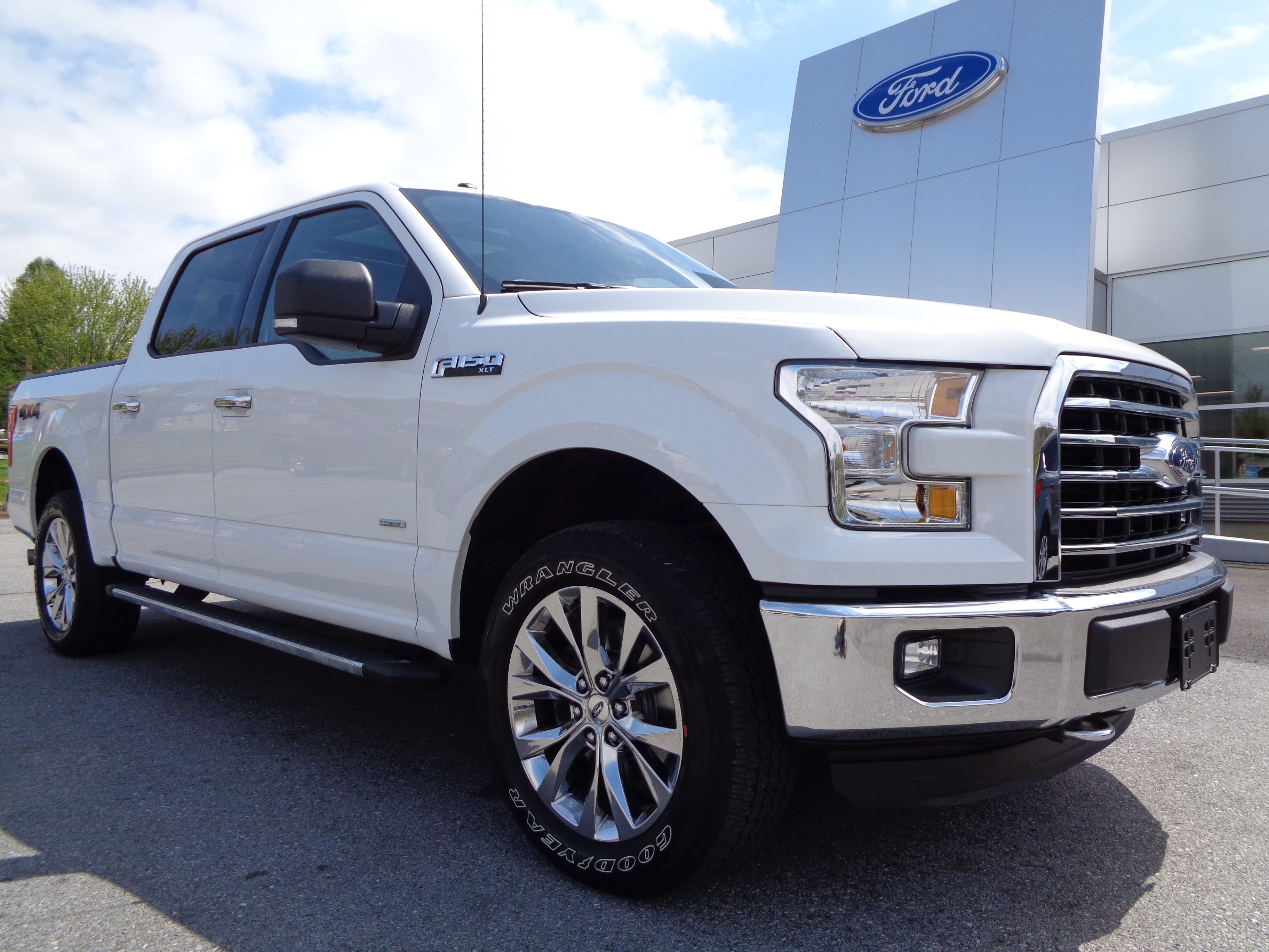 2016 Ford F150 Supercrew XLT 2.7L 4x4 302A Package PICKUP