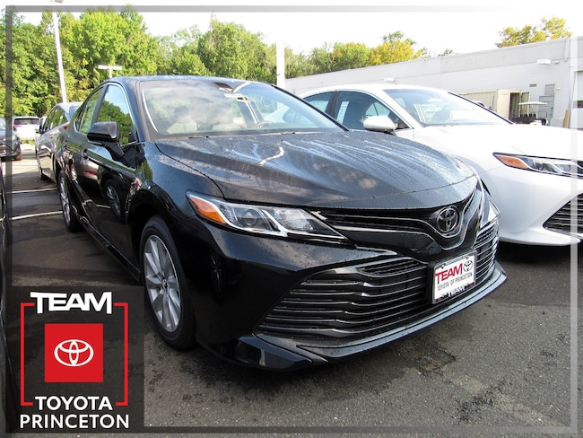 New 2018 Toyota Camry LE Sedan Front-wheel Drive Midnight Black 4T1B11HK6JU632752 I-4 cyl 2.5L Automatic D2982P Regular Unleaded In Lawrenceville