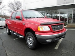 2003 Ford F-150 Lariat Crew Cab Short Bed Truck