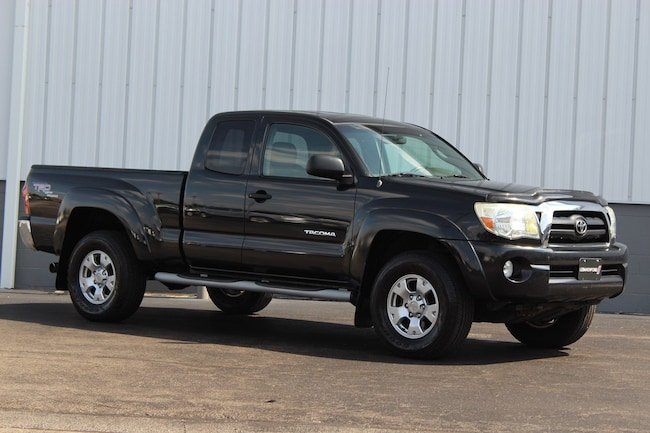 Used 2005 Toyota Tacoma Base V6 Truck for sale in Cincinnati OH