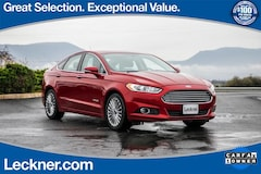 2013 Ford Fusion Hybrid Titanium Sedan