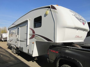 2010 FOREST RIVER Sabre 290RE 1/2 ton towable