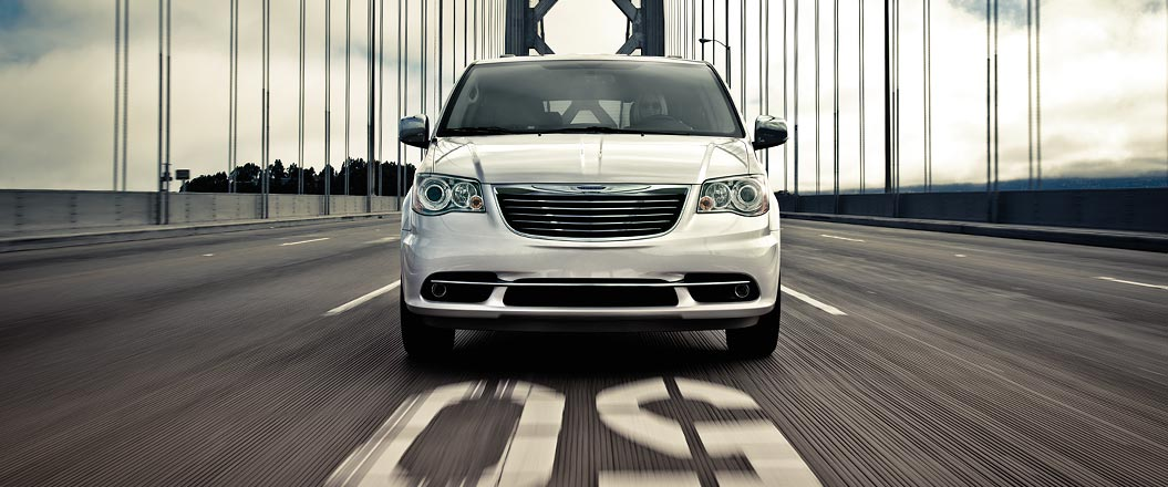 2015 Chrysler Town and Country Exterior Front End