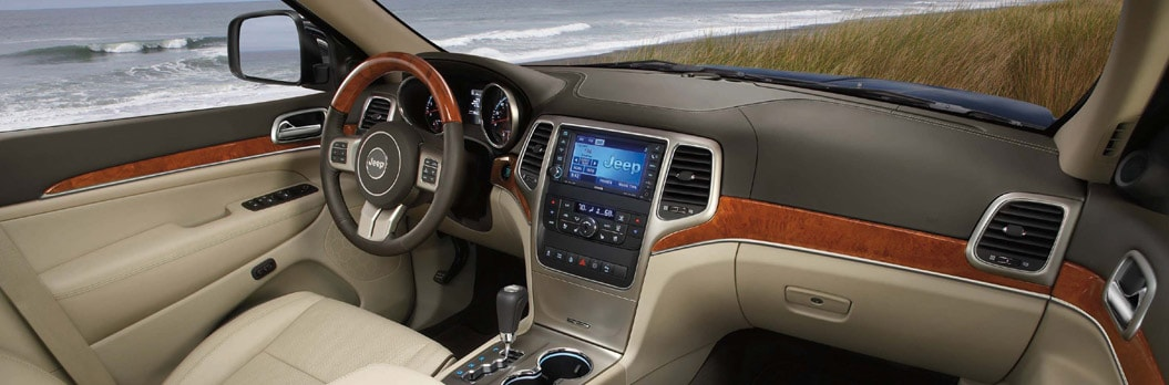 2013 Jeep Grand Cherokee Limited Interior Dashboard